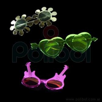 Anteojos de metalalizado con formas.