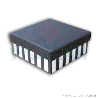 Caja forrada a rayas color negro y blanco 21x13xm.